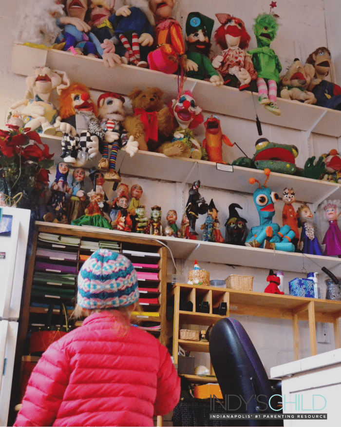 Christmas At The Puppet Studio - Indy's Child